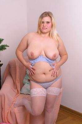 Karie chinese nude girl
